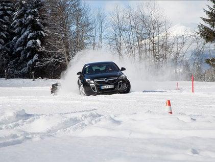 Souverän auf Schnee und Eis
