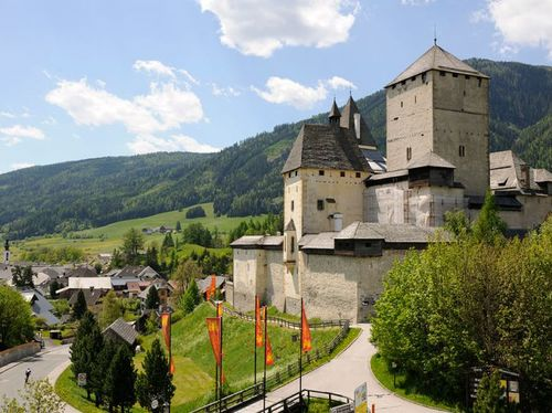 Burg Mauterndorf (12 min vom Hotel entfernt)
