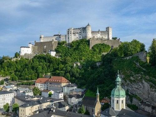 Altes Brauchtum und historische Stätten von Weltruf